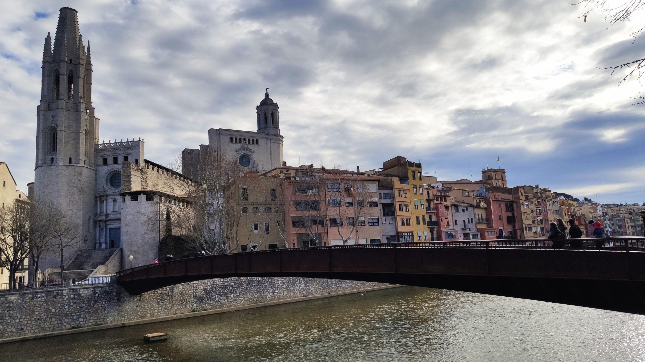 Basílica y puente de sant Feliu