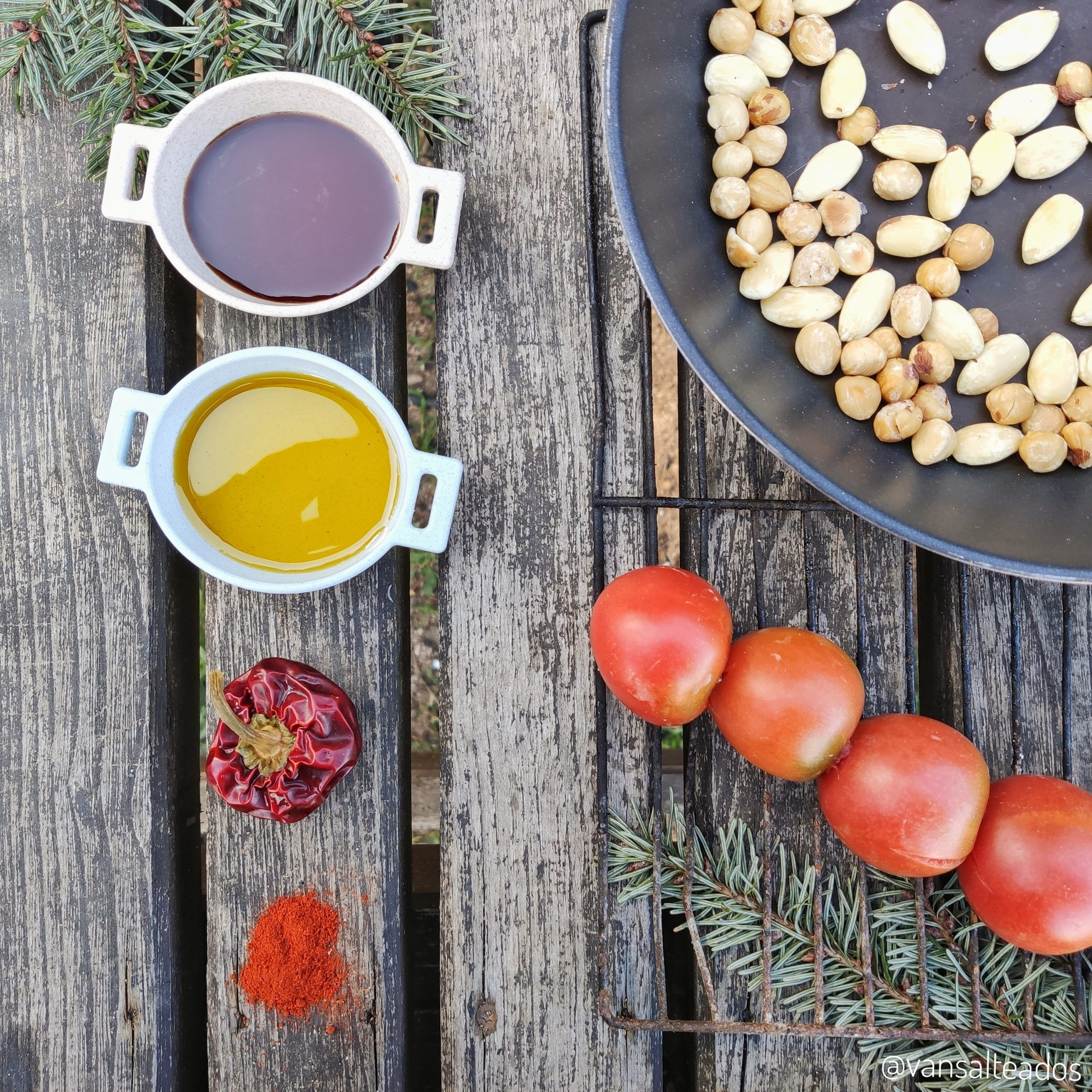Ingredientes para salsa romesco asada
