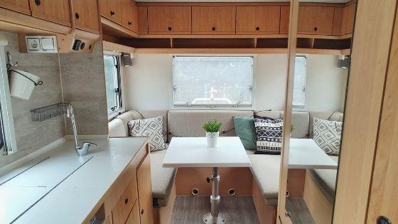 Portada: ideas para organizar una autocaravana o furgo camper por dentro